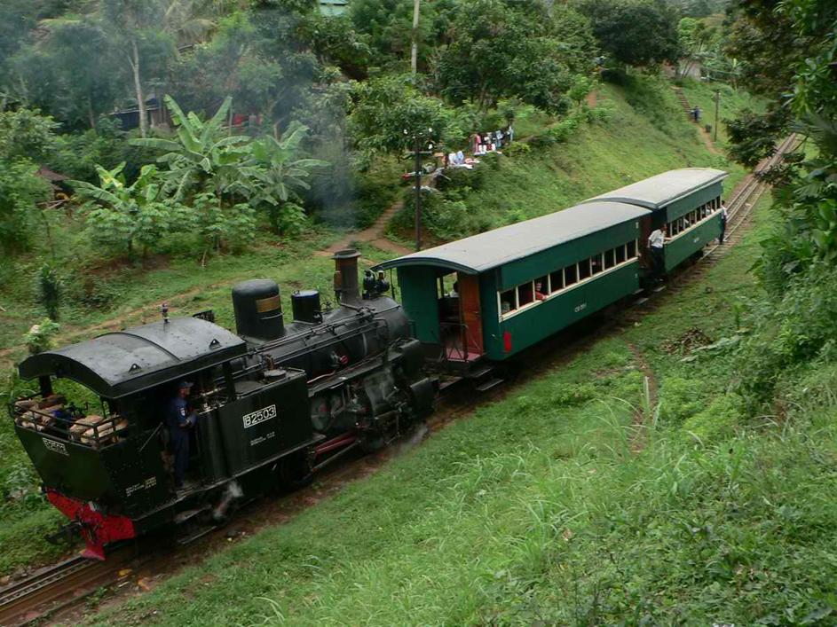 kereta api tua