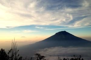 Wisata-alam-di-Indonesia-Gunung-Sindoro