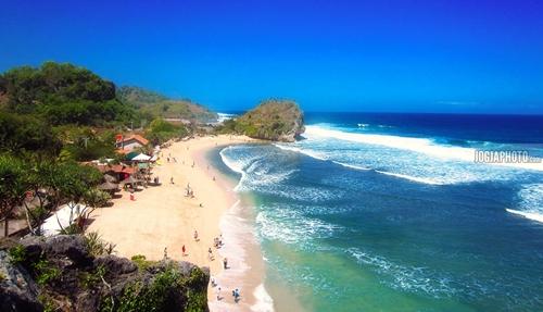 Pantai Indrayanti, Pantai Indah Dan Romantis Di Gunungkidul Yogyakarta