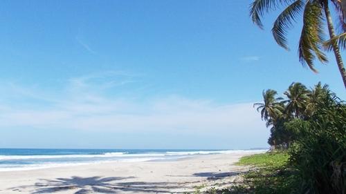 Pesona Pantai Tanjung Setia Di Bandar Lampung
